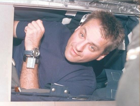 astronauts sleeping compartment - photo #6