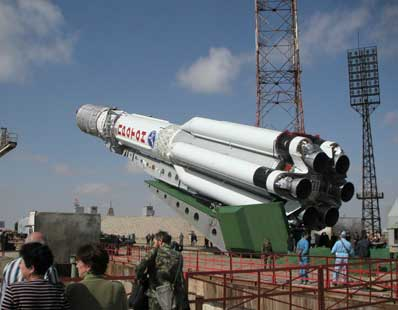 ILS photo of the rollout and erection of the Proton rocket before its 300th flight