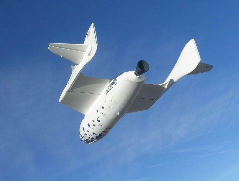 SpaceShipOne glides down
