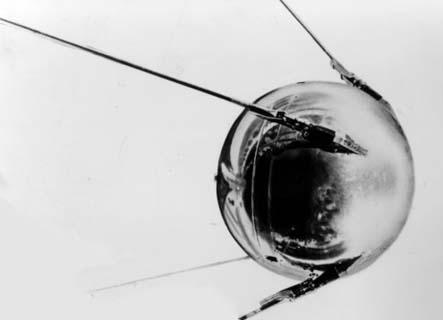 external image Sputnik1modelTass.jpg